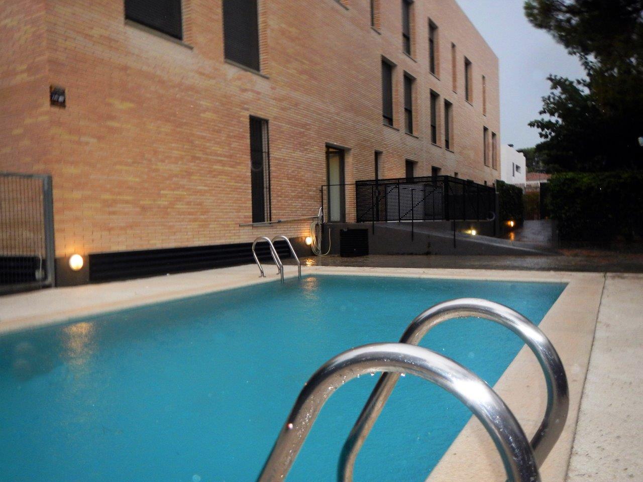 Jaume guasch gesti n inmobiliaria venta inmueble tico d plex con piscina comunitaria - Atico con piscina ...